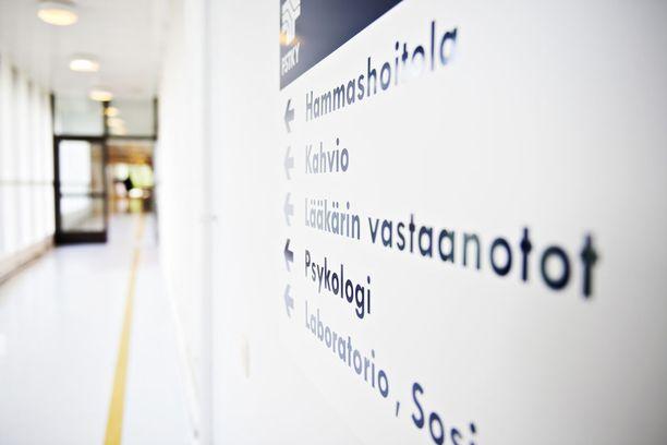 Sosiaali- ja terveysministeriö myönsi Uudellemaalle valinnanvapauspilotteihin rahaa 50 miljoonaa euroa. Uudenmaan piloteissa kokeillaan sote-keskusten (20 miljoonaa) ja suunhoidon yksikön (20 miljoonaa) valintaa sekä asiakassetelin käyttämistä (10 miljoonaa).