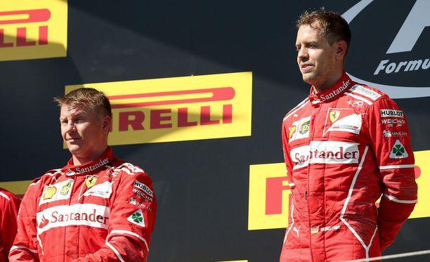 Kimi Räikkönen suostui ajamaan Sebastian Vettelin takana esimerkiksi viime kesänä Unkarin GP:ssä.