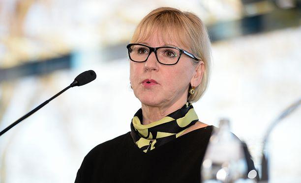 Ruotsalaiskomissaari Margot Wallström rohkaisi miehiä puuttumaan kollegoidensa käytökseen ja toivoi metoo-kampanjan muokkaavan asenteita.