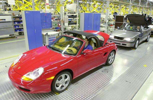 Suomessa aikoinaan valmistetun Porsche Boxsterin voi löytää noin 15 000 eurolla.