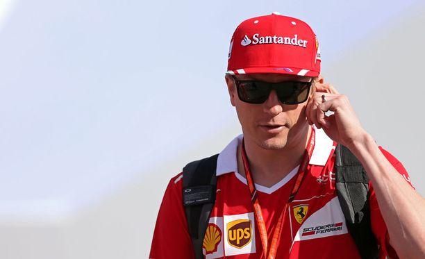 Kimi Räikkönen nousi F1-viikonlopun kehutuimmaksi kuskiksi, vaikka kisa kesti vain pari mutkaa.