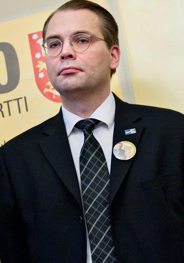Jussi Niinistön mielestä jalkaväkimiinat ovat rauhanomaisia puolustusaseita.