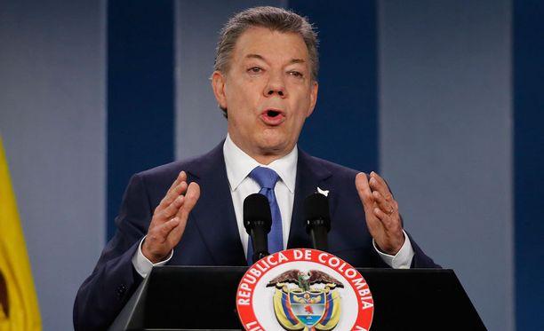 Kolumbian presidentti Santos lupaa rauhaa.