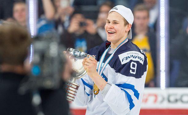 Jesse Puljujärven (kuvassa) mielestä Sebastian Aho olisi kuulunut tähdistökentälliseen.