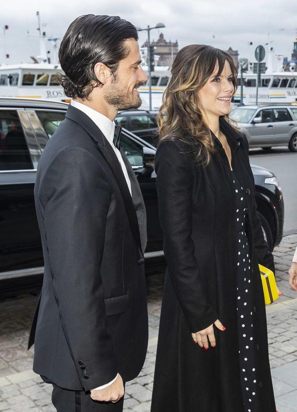Prinssi Carl Philip ja prinsessa Sofia edustavat usein yhdessä erilaisissa tilaisuuksissa. Kuva huhtikuulta 2019.