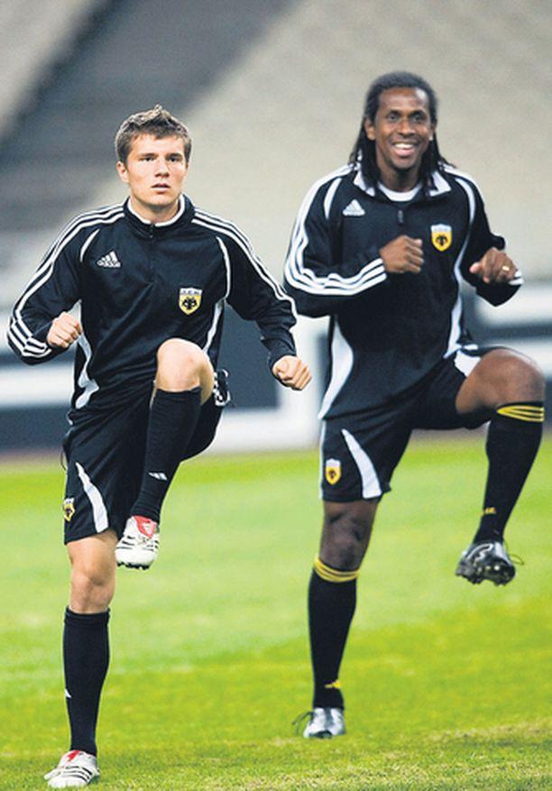 AEK:n brasilialaistaituri Emerson kutsuu Hetemaj'ta pojakseen.