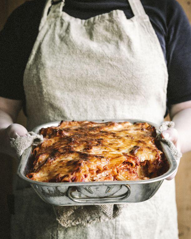 Ziti on italialais-amerikkalainen uuniruoka, jossa maistuu tomaatti ja juusto.