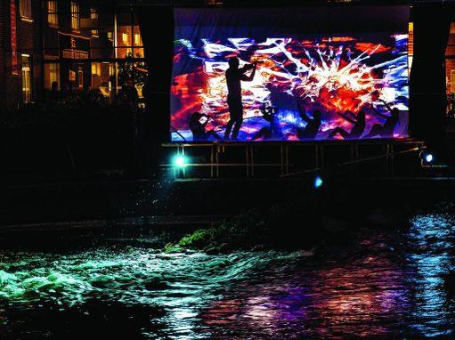 Taidetta ja tapahtumia on paljon myös kaupungilla.