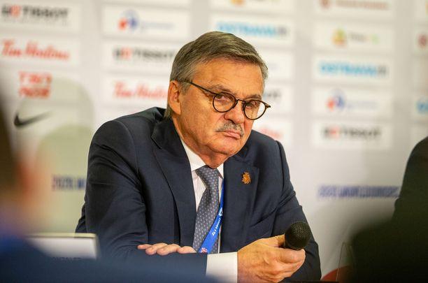 IIHF:n puheenjohtaja René Fasel olisi halunnut viedä MM-kisat Valko-Venäjälle.