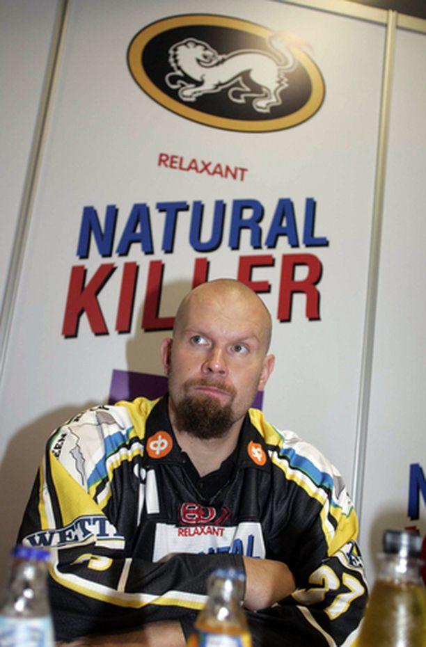 KISSASTA KÄRPPÄ Jere Karalahti siirtyy Helsingistä Ouluun.