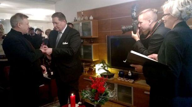 Markku Rossi ja Matti Kaarlejärvi (vas.) rekisteröivät suhteensa sunnuntaina.