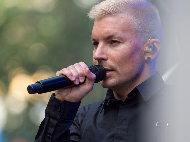 Antti Tuisku jäi määrittelemättömäksi ajaksi tauolle esiinnyttyään viime kesänä Provinssissa.