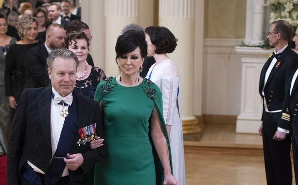 Ilkka ja Elina Kanerva ovat tuttu näky Linnan juhlissa. Tänä vuonna he juhlivat Linnassa ensimmäistä kertaa avioparina.