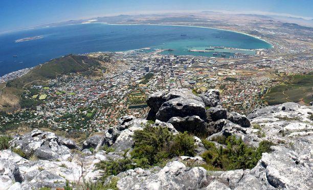 Pöytävuoren laelta avautuvat upeat maisemat Kapkaupungin yli.