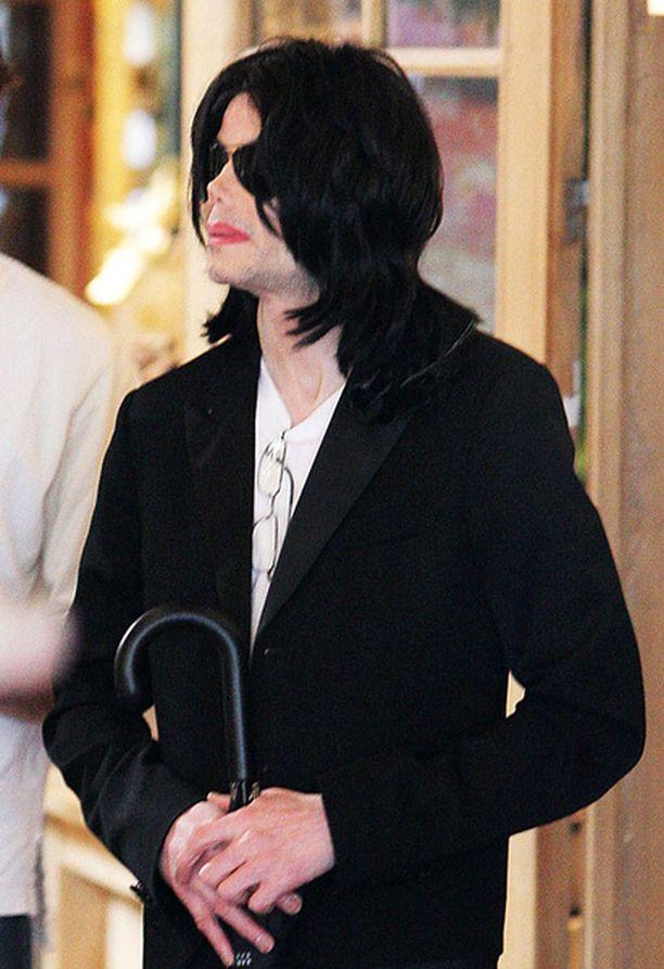 Michael Jackson asui Bahrainissa puoli vuotta.