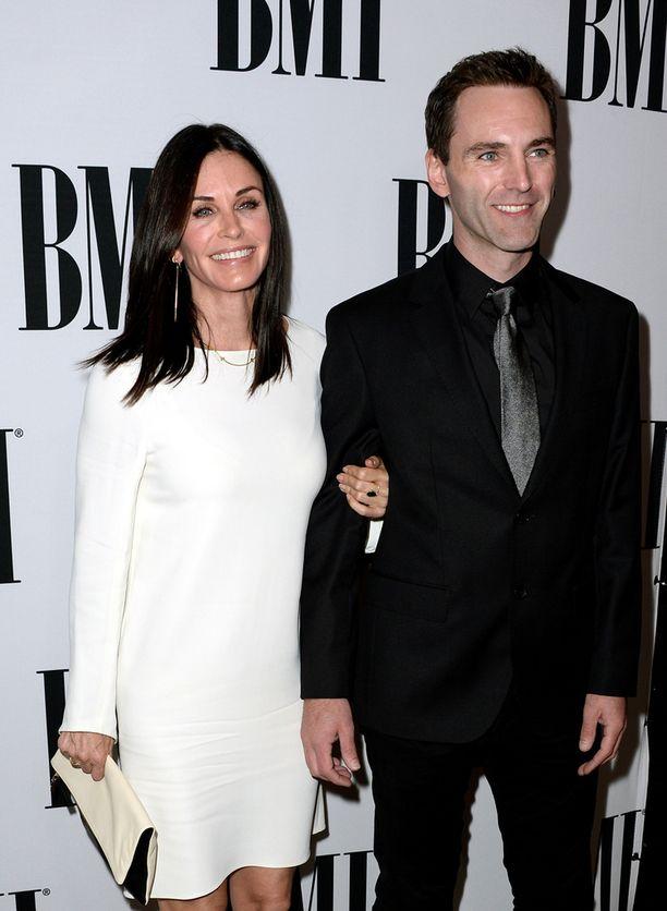 Pariskunta edusti yhdessä palkintogaalassa torstaina Los Angelesissa.
