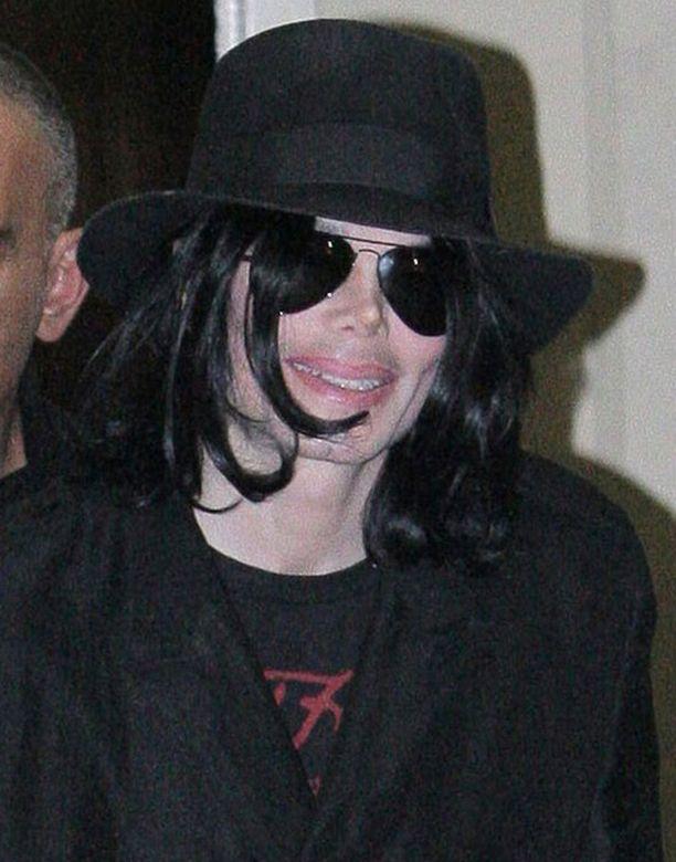 Michael Jackson on lääkärinsä mukaan terve kuin pukki.