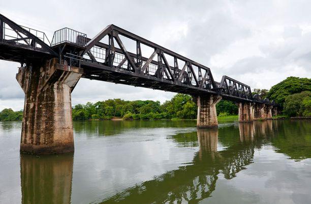 Elokuvista tuttu silta.