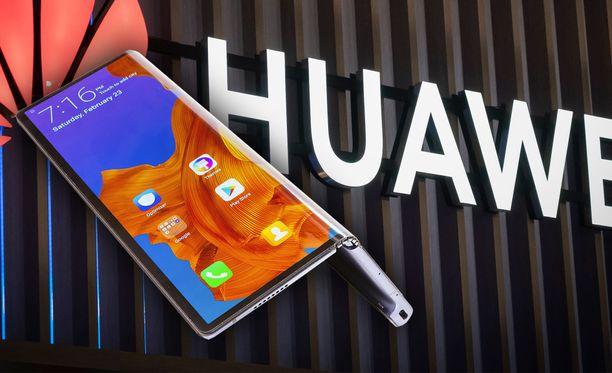 Huawei Mate X:n julkaisu viivästyy.