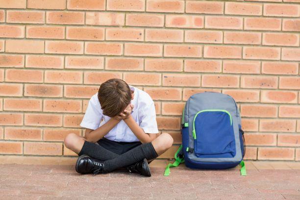 Poikien syrjäytymisriski on suurempi kuin tyttöjen.