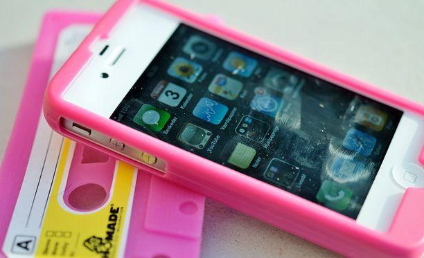 Applen iPhone 4 on edelleen suosittu puhelin, mutta Apple itse ei siitä enää piittaa.