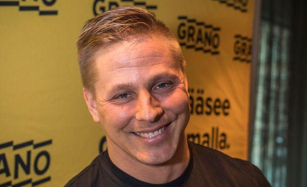 Markus Pöyhönen on yksi Säkkikaupalla hyvää -kampanjan kasvoista.