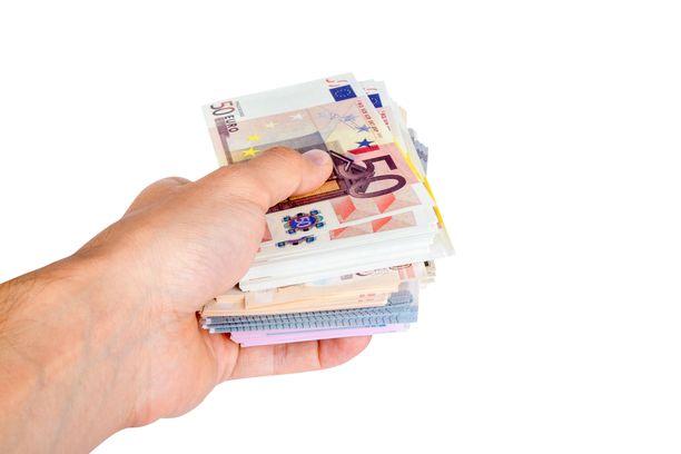 Elokuussa veronpalautuksia saavan tulisi ilmoittaa tilinumeronsa OmaVeroon maanantaihin mennessä.