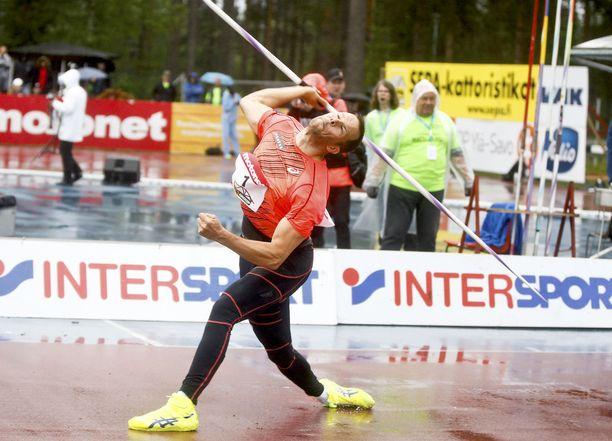 Liikuntafysiologian professori Antti Meron mukaan tämä on yksi huippu-urheilun rajuimpia kuormitustilanteita.