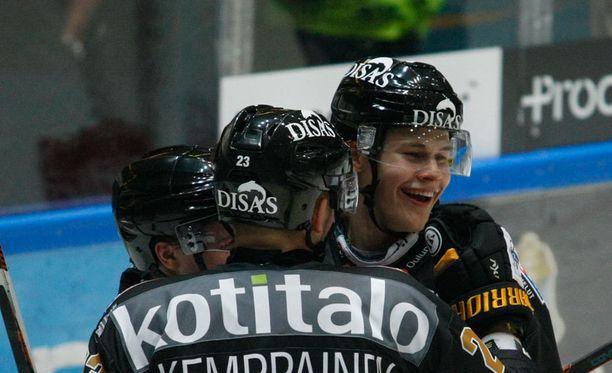 Jesse Puljujärvi on tällä kaudella pelannut 12 liigaottelua tehoin 3+1=4.