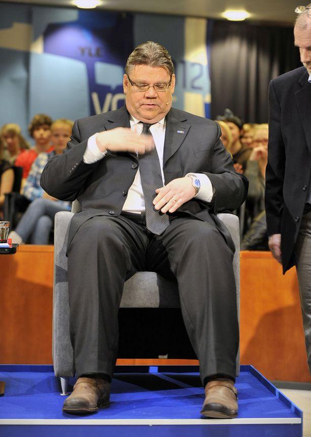 PUOLUSTUSKANNALLA Soini puolusti kiivaasti toimintaansa puolueensa johdossa.