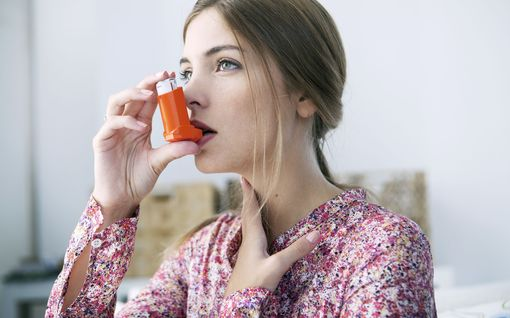 Näin pienennät riskiäsi sairastua koronavirukseen, allergikko ja astmaatikko