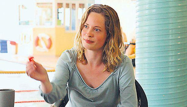 Rebecka rakastuu varattuun mieheen ruotsalaisleffassa.