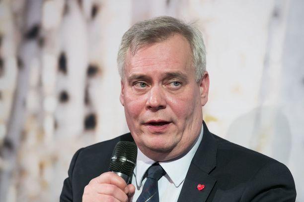 Antti Rinne hiiltyi Juhana Vartiaisen arvioista.