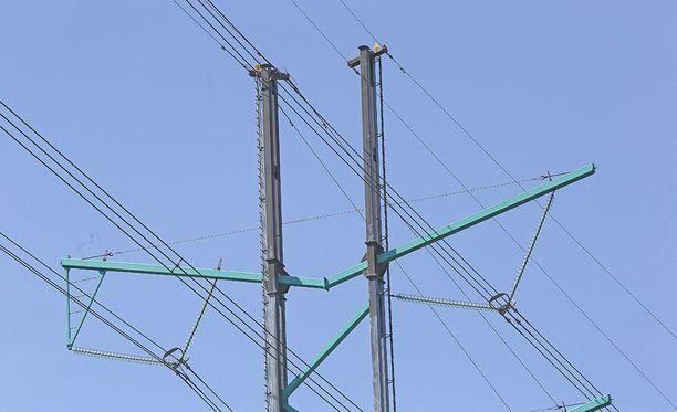 Sähköt katkesivat laajalti Porvoossa myöhään maanantaina.