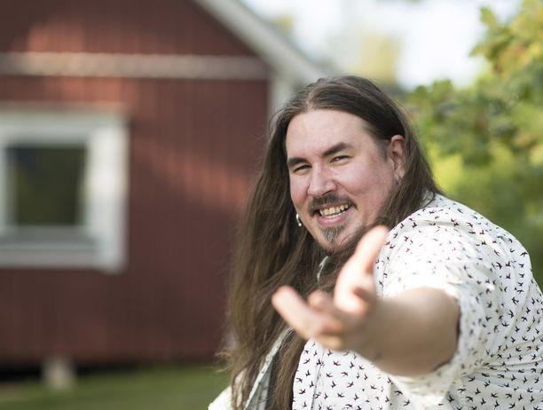 Antti Railio kertoo, että tasapainoisen elämän löytymisen jälkeen musiikintekoonkin on tullut aivan uusi taso.