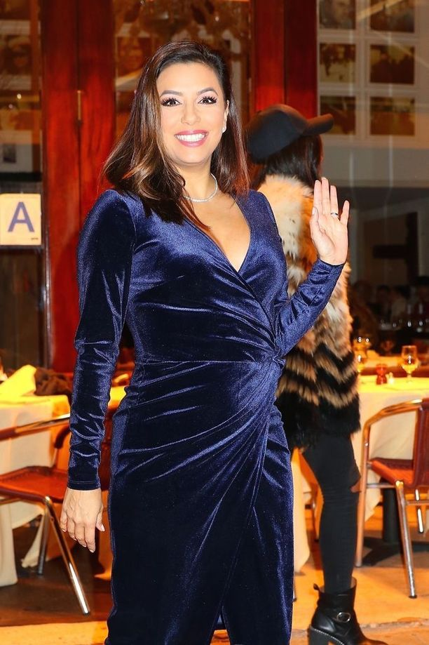 Eva Longoria on tunnettu yhdysvaltalaisnäyttelijä. Hänet tunnetaan esimerkiksi televisiosarjoista Tunteita ja tuoksuja ja Täydelliset naiset.
