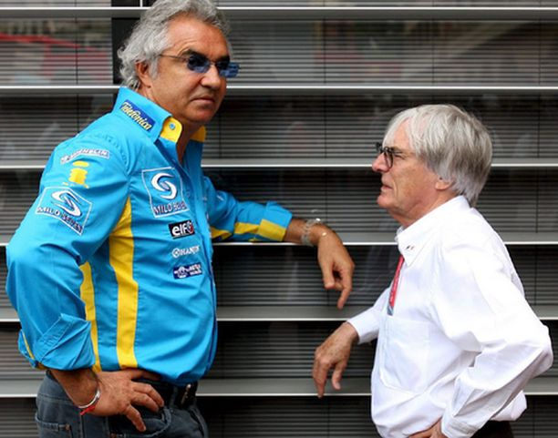 PETTYNYT Flavio Briatore oli käärmeissään Schumille ja Ferrarille.