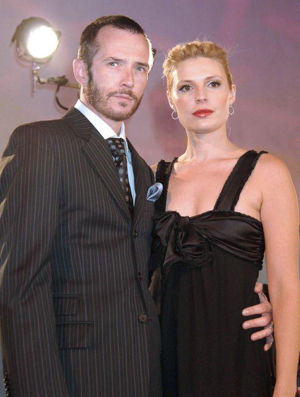 Scott Weiland ja Mary Forsberg Weiland olivat naimisissa 2000-2007.
