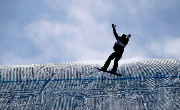 Enni Rukajärvi voitti slopestylessä olympiapronssia.