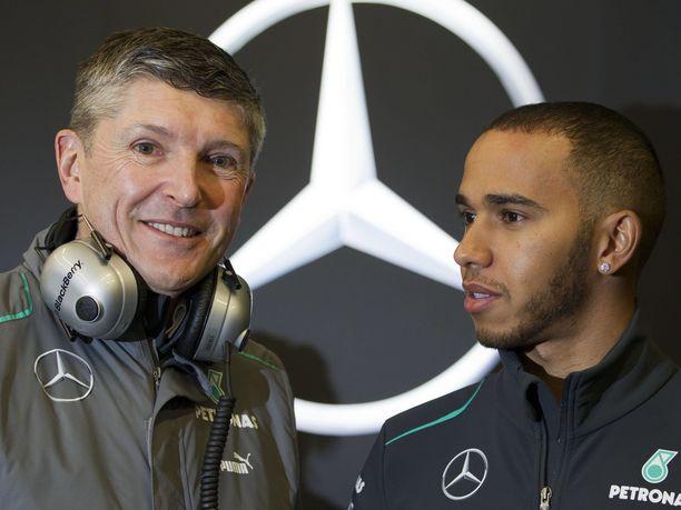 Toimitusjohtaja Nick Fry sai kuin saikin tahtonsa läpi, ja Lewis Hamilton siirtyi McLarenilta Mercedekselle kauden 2012 päätteeksi. Yhden harjoituskauden jälkeen Hamilton ja Mercedes ovat olleet F1-radoilla lähestulkoon pysäyttämätön yhdistelmä.