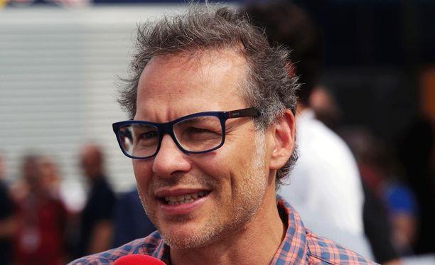 Jacques Villeneuve on vaihtanut Kimi-faniksi.