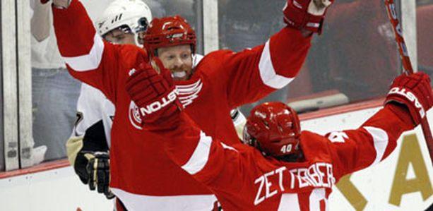 Detroit pääsi tuulettamaan ensimmäisen NHL-loppuottelun voittoa.