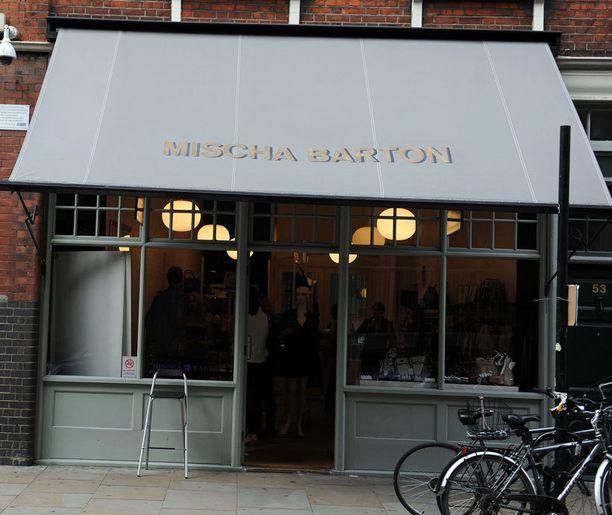 Mischa Bartonin liike sijaitsee Spitalfields Marketin alueella.