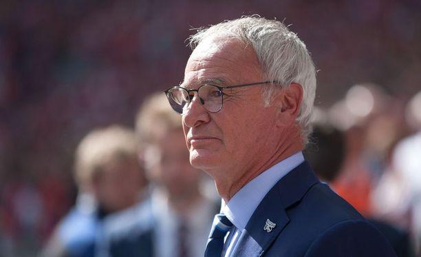 Claudio Ranieri, 64, tuli Leicesterin peräsimeen vuosi sitten.