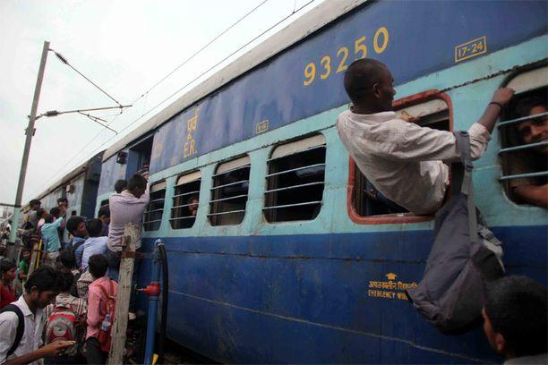 Juna on Intiassa suosittu tapa liikkua.