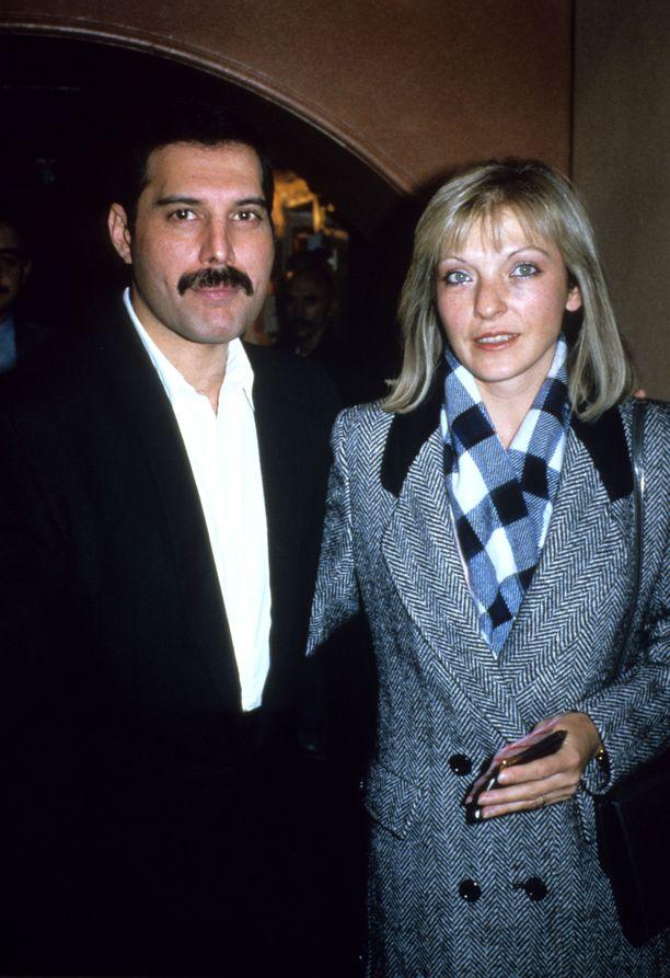 Freddie Mercuryn ja Mary Austinin ystävyys säilyi loppuun asti. Kuva vuodelta 1985.
