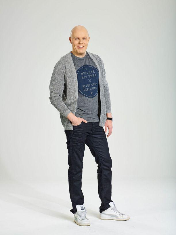 Aki Linnanahde on tuttu radiosta ja televisiosta.
