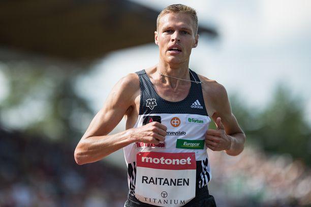 Topi Raitanen hakee vauhtikestävyyttä 1 500 metriltä.