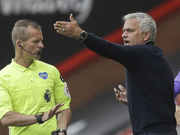 José Mourinho tunnetaan kuumaverisenä managerina, joka on niittänyt menestystä, mutta jättänyt myös taakseen usein savuavia raunioita.