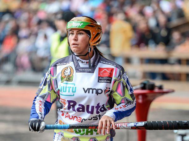 Lapuan Virkiän Janette Lepistö oli jälleen mukana Itä–Länsi-ottelussa. Kuva viime vuoden tapahtumasta.
